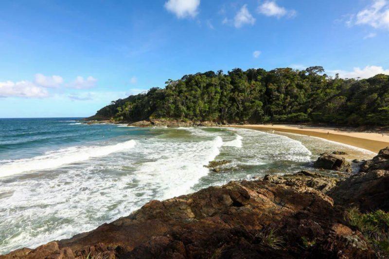 Praia da Ribeira em Itacaré com o Ecoporan Hotel